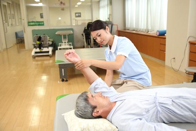 病院での治療のイメージ画像