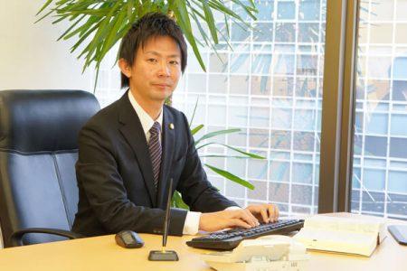 弁護士本村安宏画像