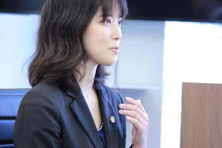 弁護士勝木萌