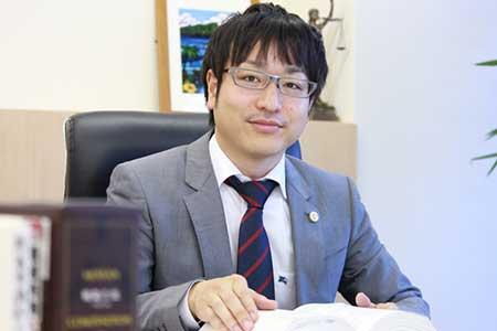 弁護士竹下龍之介画像