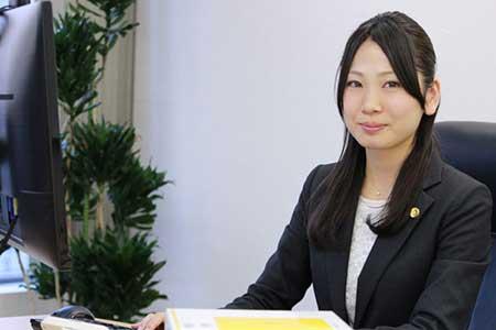 弁護士小野佳奈子