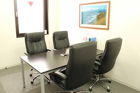 小倉オフィス会議室2画像