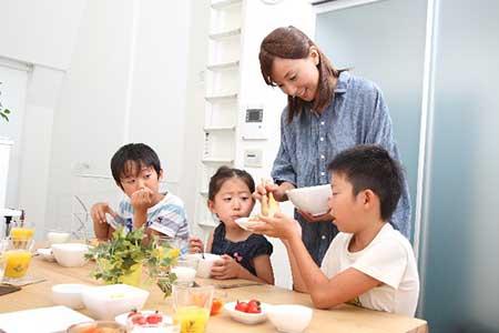 母子家庭のイメージ画像