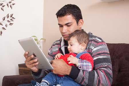 外国人の親子のイメージ画像