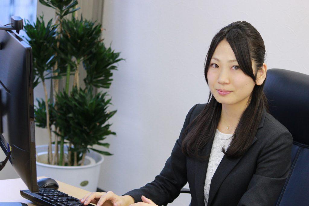 弁護士小野佳奈子の画像